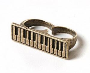 yüzük piyano klavye müzik