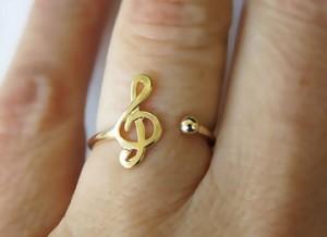 yüzük sol anahtarı altın nota